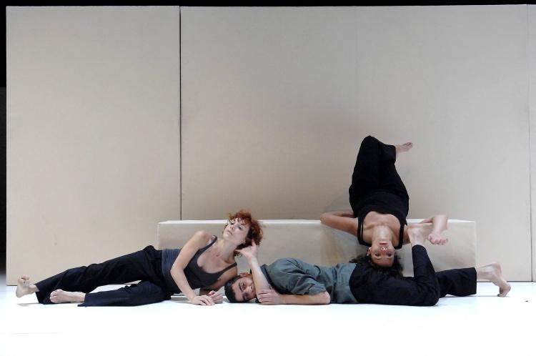 """""""Mies"""" (2006) - Nats Nus"""